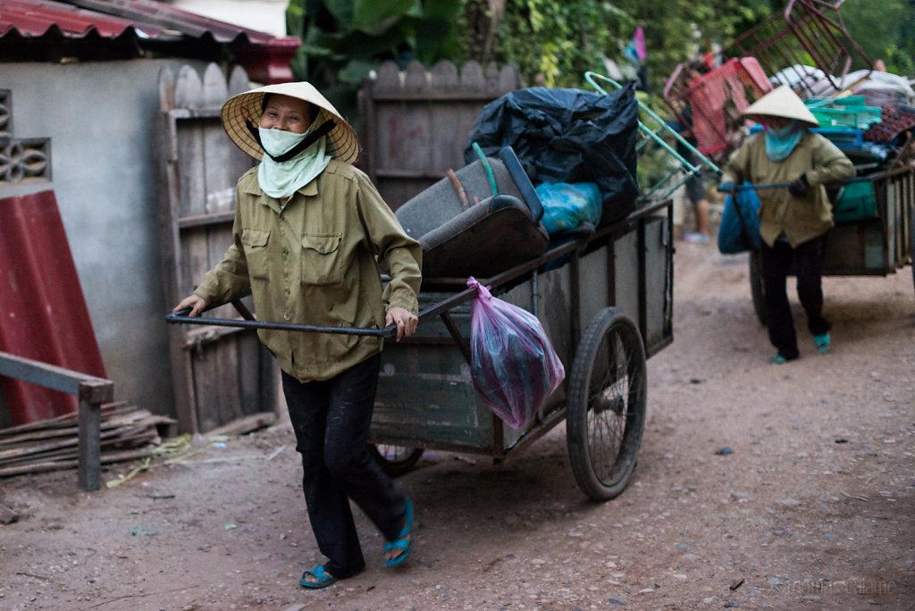 Scrap collecting in Vientiane